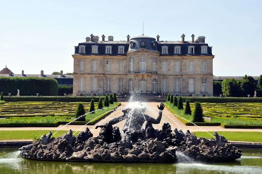 La visite du Château de Champs-Sur-Marne est une visite unique à proximité du Golf d'Ormesson