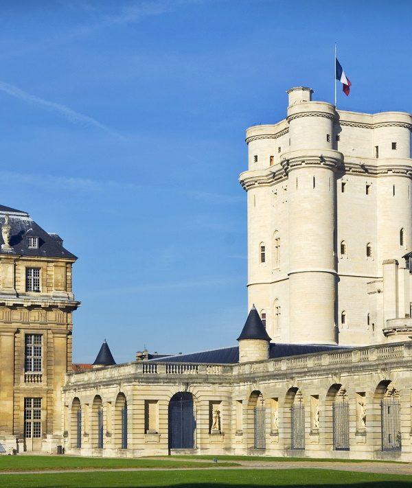 Situé aux portes de Paris, le Château de Vincennes est une des activités phares à faire près du Golf d'Ormesson