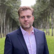 Germain Desbois, directeur du golf, enseignant de golf et diplômé d'Etat, au Golf d'Ormesson à 15 minutes de Paris