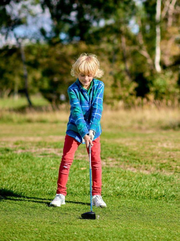 Les stages de golf pour golfeurs enfants débutants et confirmés au Golf d'Ormesson, à 15 minutes de Paris