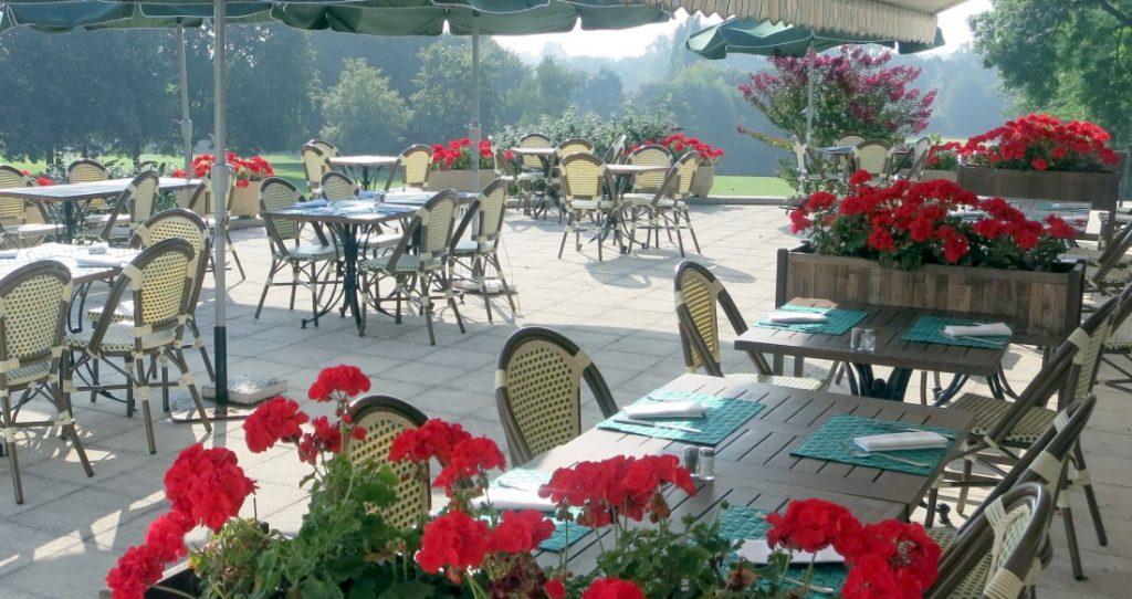 Terrasse du Restaurant Les Tilleuls - Golf d'Ormesson à 20 min de Paris