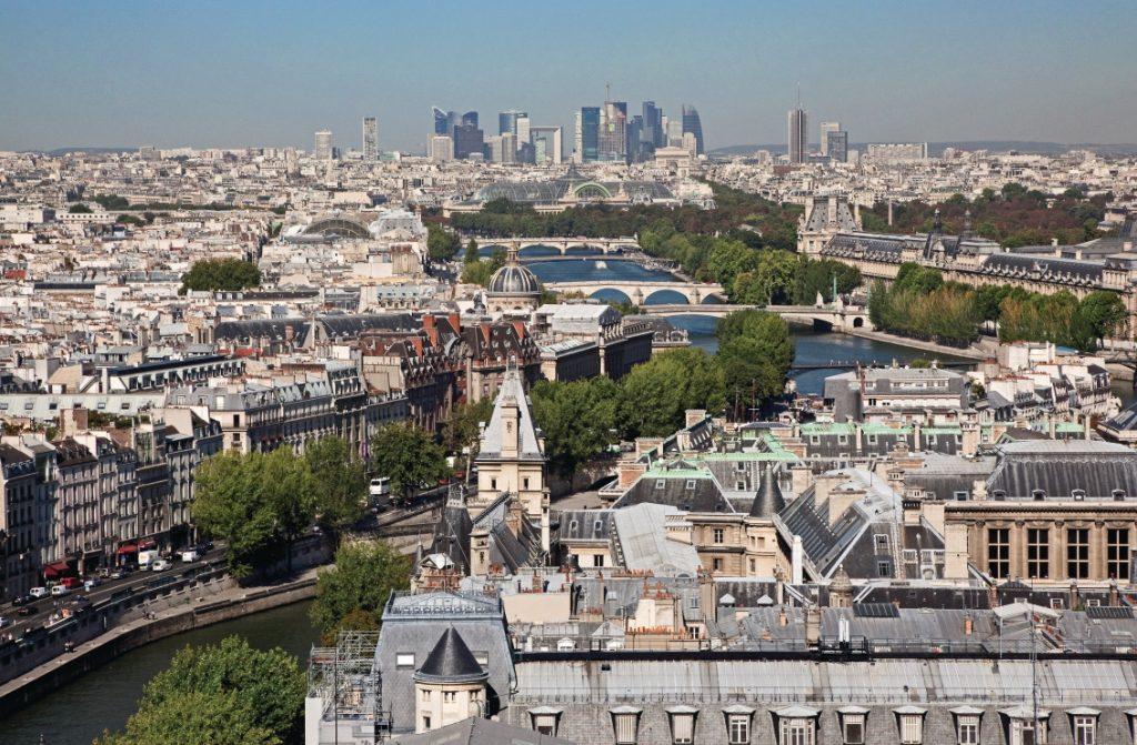 De nombreuses activités pour tous les goûts et tous les âges peuvent être trouvées dans les environs du Golf d'Ormesson OPEN GOLF CLUB, dont les innombrables lieux à visiter dans la capitale française Paris